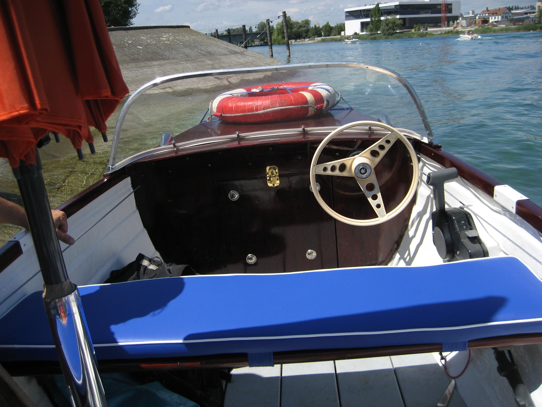 motorboot gfk klassik 15 ps bodenseezulassung stauraum. Black Bedroom Furniture Sets. Home Design Ideas