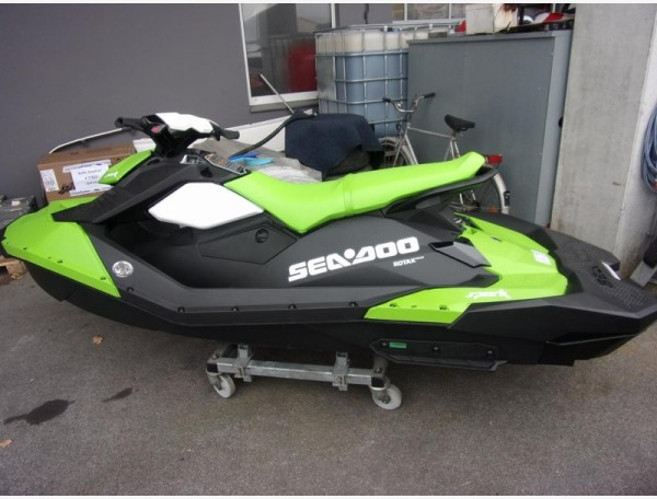 SEA-DOO SPARK 3 UP - LIEFERBAR-
